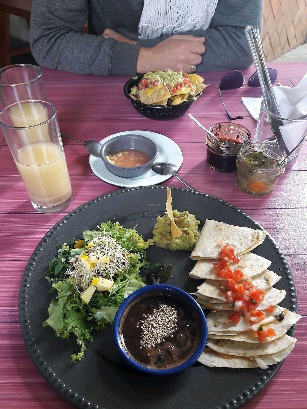"Photo of Temictli - Coyoacan  by <a href=""/members/profile/CamDup"">CamDup</a> <br/>quesadillas de queso vegano y nachos <br/> February 1, 2018  - <a href='/contact/abuse/image/107164/353357'>Report</a>"