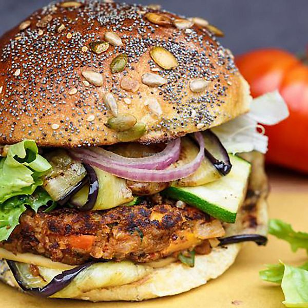"""Photo of Vegan Pinto  by <a href=""""/members/profile/NemoDelasource"""">NemoDelasource</a> <br/>Vegan burger <br/> December 14, 2017  - <a href='/contact/abuse/image/107173/335366'>Report</a>"""