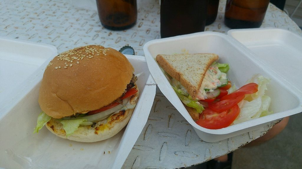 """Photo of Vegan Pinto  by <a href=""""/members/profile/ErikLantto"""">ErikLantto</a> <br/>Burger and sandwich <br/> April 11, 2018  - <a href='/contact/abuse/image/107173/383795'>Report</a>"""