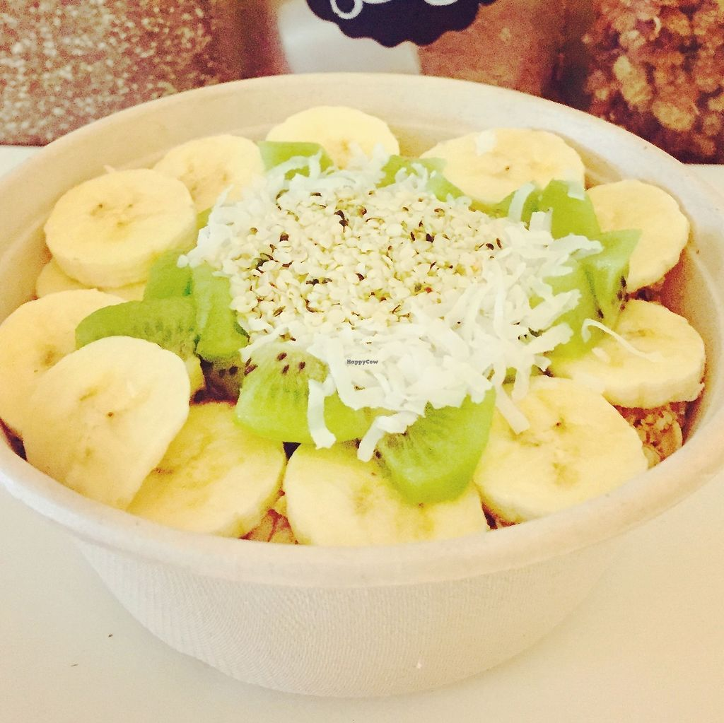 """Photo of Four Oaks Cafe and Juice Bar  by <a href=""""/members/profile/Four.oaks.sh"""">Four.oaks.sh</a> <br/>Green acai bowl! Acai with kale and spinach topped with granola, bananas, kiwi, coconut flakes, hemp seeds <br/> December 14, 2017  - <a href='/contact/abuse/image/107199/335532'>Report</a>"""