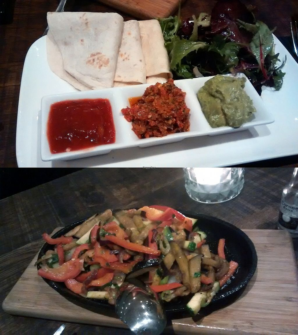 """Photo of Eethuis Tante Toer  by <a href=""""/members/profile/Ricardo"""">Ricardo</a> <br/>Fajitas Plate (vegan version) <br/> December 22, 2017  - <a href='/contact/abuse/image/107254/338049'>Report</a>"""