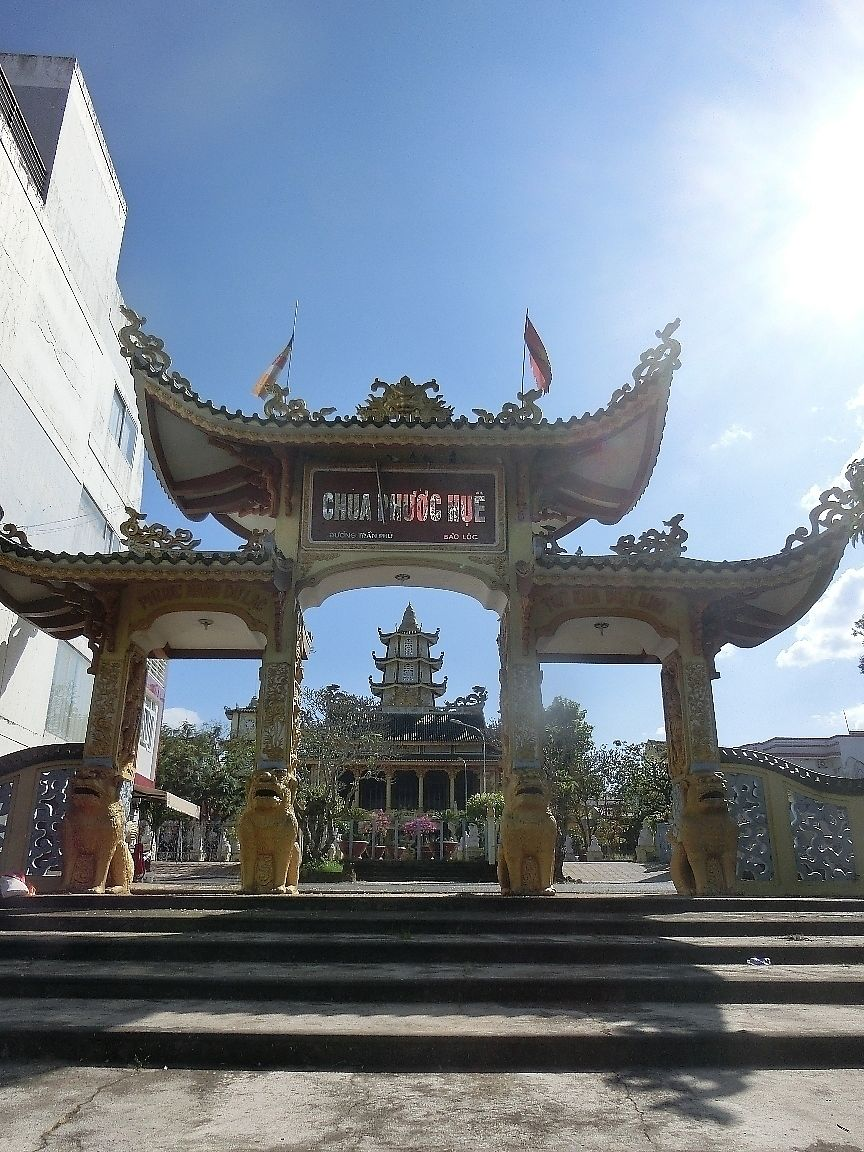 """Photo of Thien Giac  by <a href=""""/members/profile/Canamon"""">Canamon</a> <br/>View of the Temple from the street <br/> December 16, 2017  - <a href='/contact/abuse/image/107292/336092'>Report</a>"""