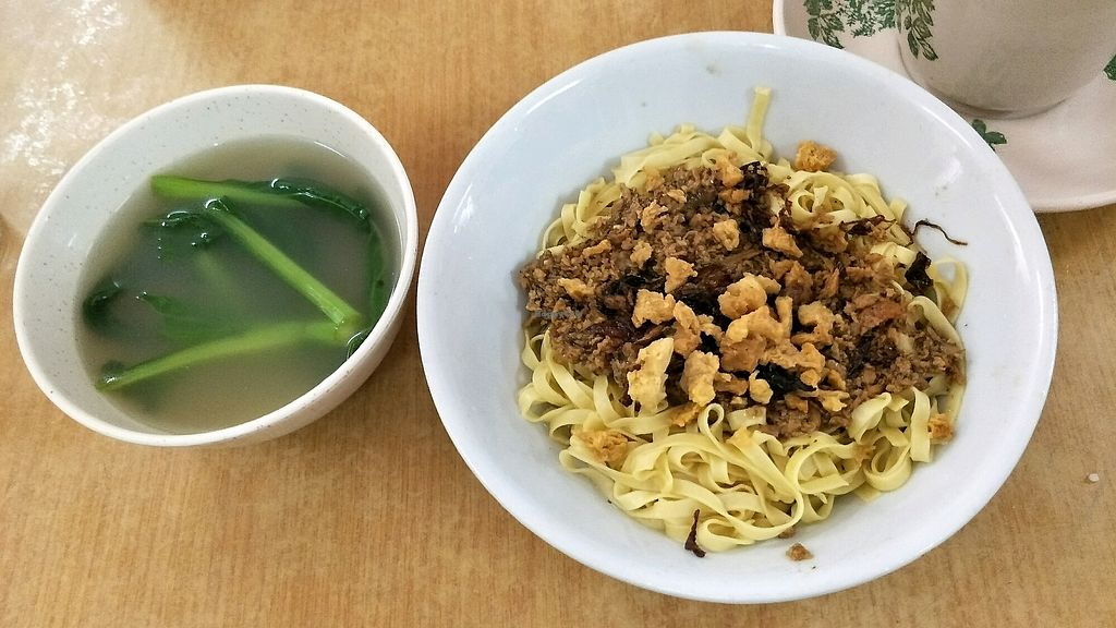 """Photo of Shi Zhi Ben  by <a href=""""/members/profile/alicel"""">alicel</a> <br/>Hakka noodles <br/> December 16, 2017  - <a href='/contact/abuse/image/107296/336148'>Report</a>"""