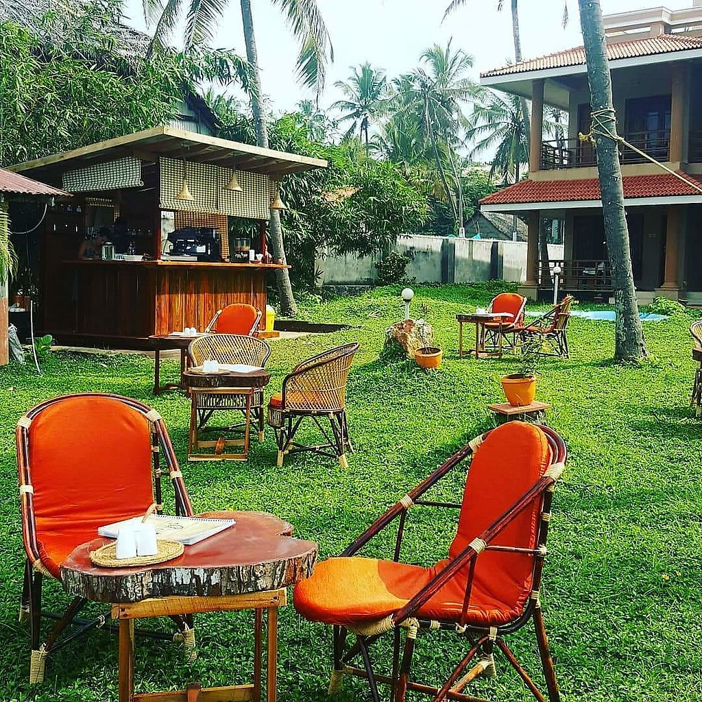 """Photo of Cafe Rishi  by <a href=""""/members/profile/CarlaValenti"""">CarlaValenti</a> <br/>Cafe Rishi garden <br/> December 18, 2017  - <a href='/contact/abuse/image/107342/336724'>Report</a>"""