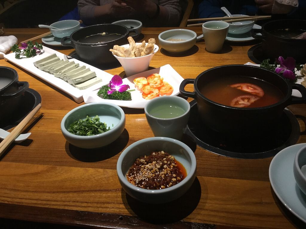 """Photo of Return to Life- Guilai Sushi Shenghuo Guan  by <a href=""""/members/profile/Antiquegreen"""">Antiquegreen</a> <br/>Hot pot <br/> December 20, 2017  - <a href='/contact/abuse/image/107418/337619'>Report</a>"""