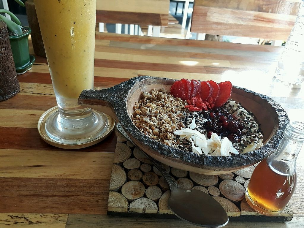 """Photo of Pure Vegan Heaven  by <a href=""""/members/profile/LilacHippy"""">LilacHippy</a> <br/>Banana Berries Acai Bowl, Mango Passion Smoothie <br/> January 28, 2018  - <a href='/contact/abuse/image/107419/351782'>Report</a>"""