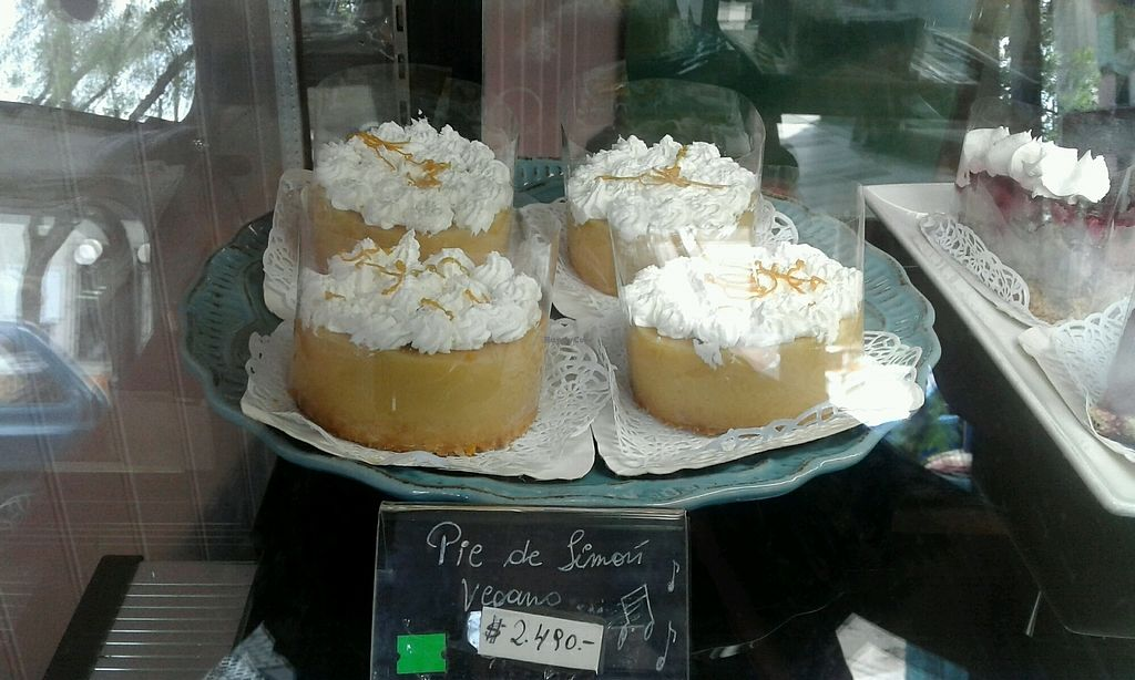 "Photo of Pasteleria Sinfonia del Sabor  by <a href=""/members/profile/SofiaSq"">SofiaSq</a> <br/>vegan lemon pie <br/> January 12, 2018  - <a href='/contact/abuse/image/107453/345828'>Report</a>"