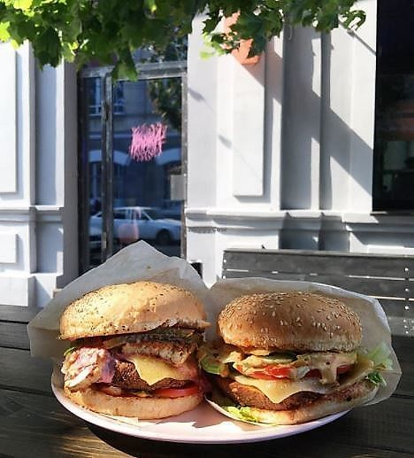 "Photo of Koluchka  by <a href=""/members/profile/Cherilay"">Cherilay</a> <br/>tofu burger&seitan burger on outdoors tables <br/> December 18, 2017  - <a href='/contact/abuse/image/107470/336744'>Report</a>"