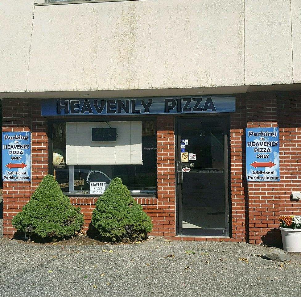 Photo of Heavenly Pizza  by fairybl00d <br/>Heavenly Pizza <br/> December 19, 2017  - <a href='/contact/abuse/image/107492/337087'>Report</a>