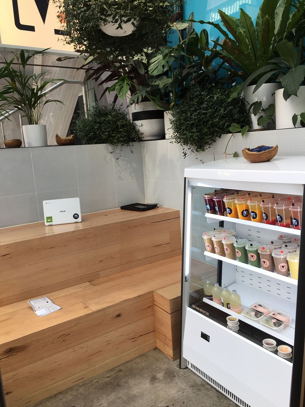"""Photo of V. Melb  by <a href=""""/members/profile/Wuji_Luiji"""">Wuji_Luiji</a> <br/>Fridge and indoor seating on steps <br/> December 18, 2017  - <a href='/contact/abuse/image/107496/337054'>Report</a>"""
