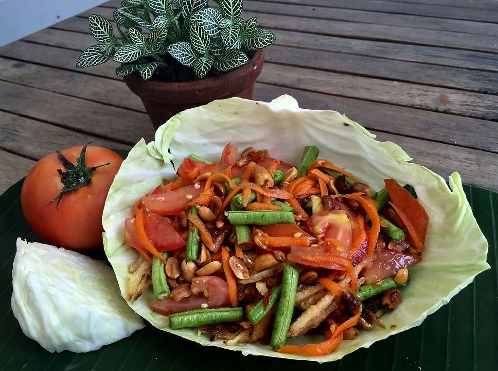 "Photo of V Secret Street Food - maybe closed  by <a href=""/members/profile/Vsecretchiangmai"">Vsecretchiangmai</a> <br/>Crispy papaya salad... my version of Som Tum :) <br/> April 14, 2018  - <a href='/contact/abuse/image/107586/385648'>Report</a>"