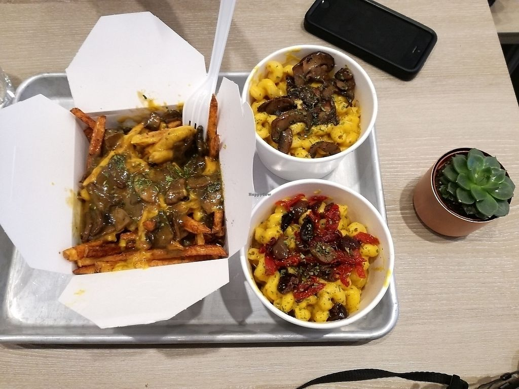 "Photo of Parka Food Co  by <a href=""/members/profile/JaviBelmonte"">JaviBelmonte</a> <br/>mac&cheeses and poutine ? <br/> January 27, 2018  - <a href='/contact/abuse/image/107607/351594'>Report</a>"