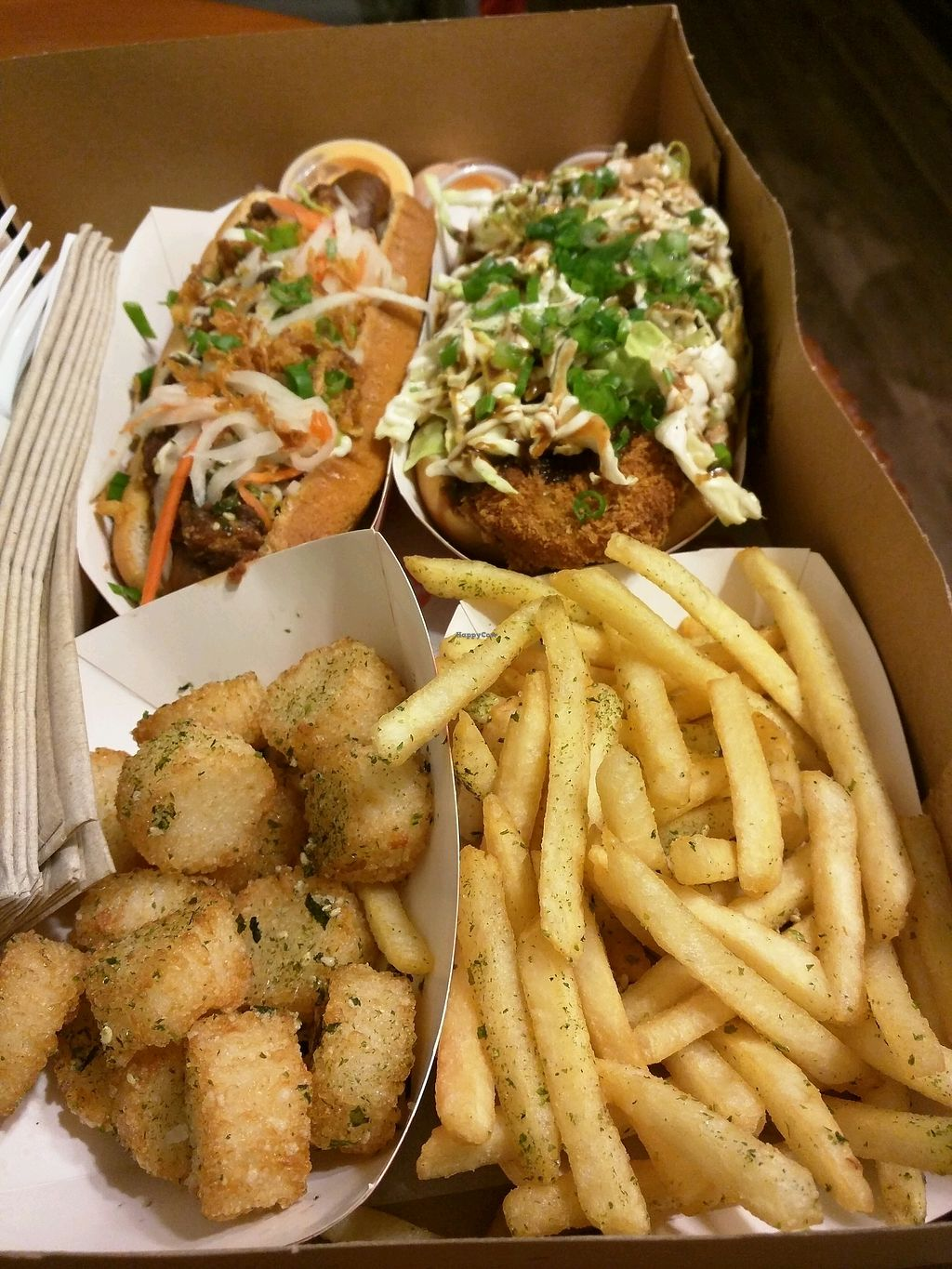 "Photo of Sumo Dog  by <a href=""/members/profile/philjdomm"">philjdomm</a> <br/>Vegan Katsu and Spicy Tofu Hot Dog <br/> December 20, 2017  - <a href='/contact/abuse/image/107657/337624'>Report</a>"