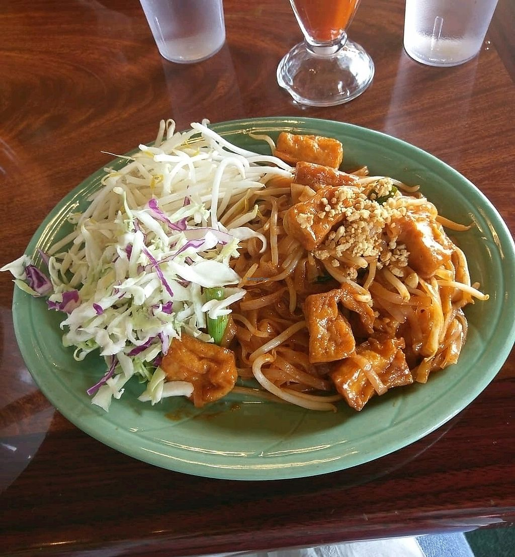 "Photo of Bangkok Garden  by <a href=""/members/profile/jade.vegan"">jade.vegan</a> <br/>Veggie pad thai (on the vegan menu!!) <br/> March 30, 2018  - <a href='/contact/abuse/image/107792/378119'>Report</a>"