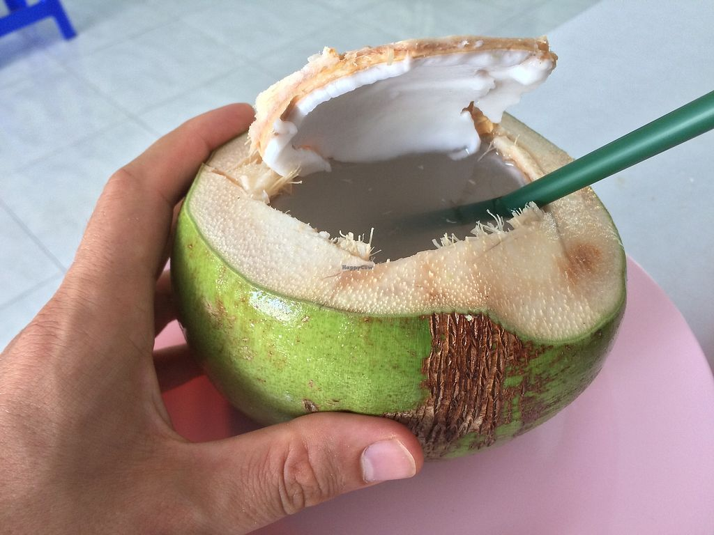 """Photo of Kingliew Vegetarian  by <a href=""""/members/profile/kohlundkarma.de"""">kohlundkarma.de</a> <br/>fresh coconut for 25 THB <br/> January 11, 2018  - <a href='/contact/abuse/image/107962/345381'>Report</a>"""
