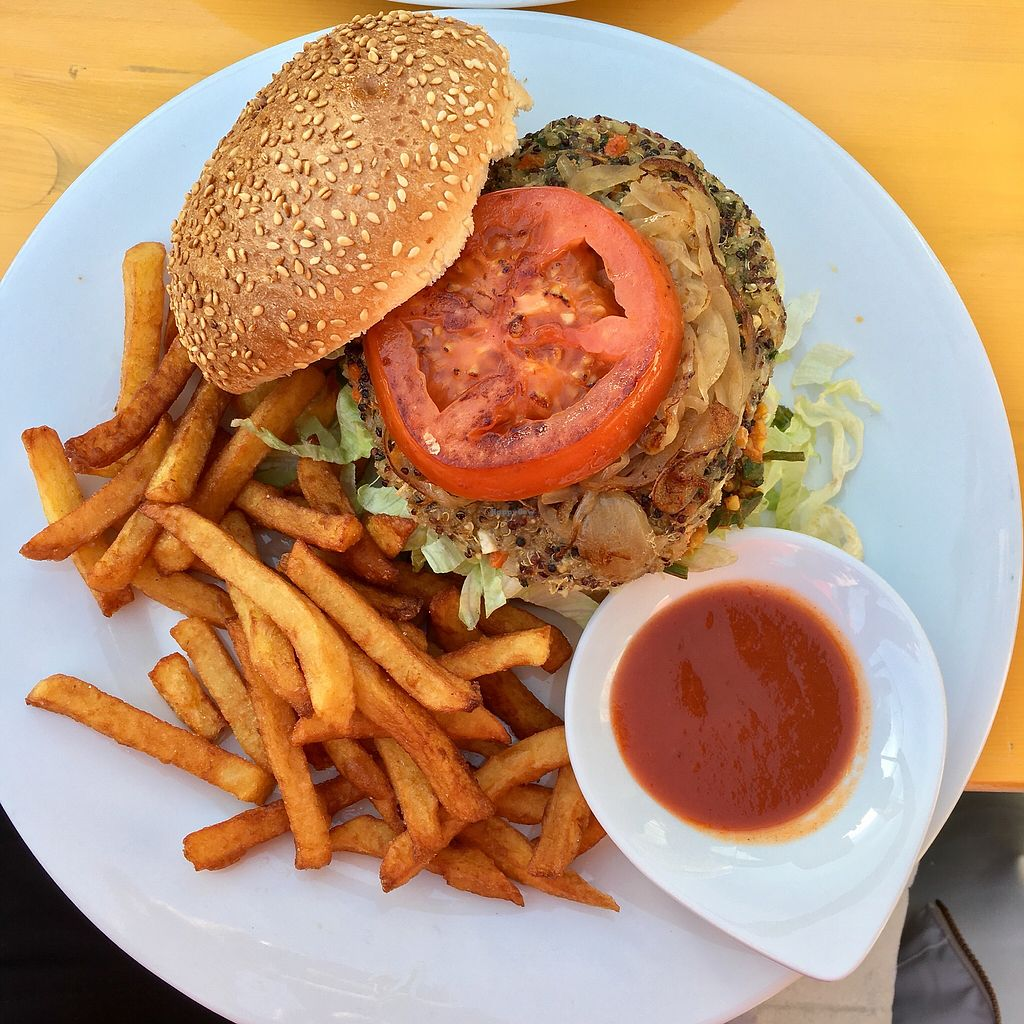 """Photo of Krazy Kanguruh  by <a href=""""/members/profile/healthie.veggie"""">healthie.veggie</a> <br/>Vegan burger <br/> January 1, 2018  - <a href='/contact/abuse/image/108029/341773'>Report</a>"""