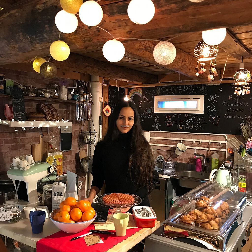 "Photo of Okobua  by <a href=""/members/profile/Dharmalivi"">Dharmalivi</a> <br/>The yummi raffles (waffles), cinnamon rolls served by one of the sweet owners. Great coffee and a range of herbal teas too <br/> December 28, 2017  - <a href='/contact/abuse/image/108098/340191'>Report</a>"