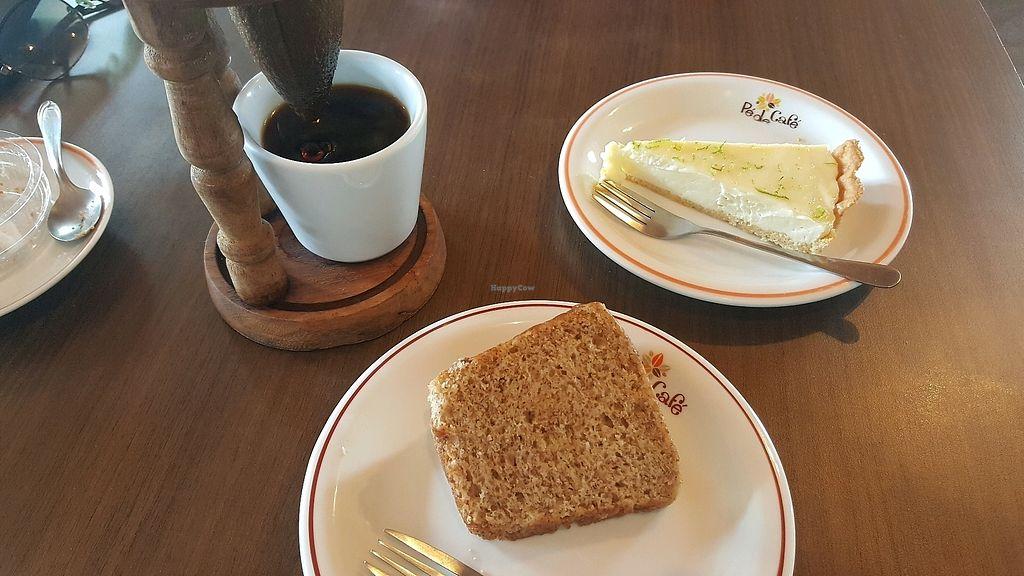 "Photo of Pé de Cafe  by <a href=""/members/profile/FernSato"">FernSato</a> <br/>Orange cake <br/> April 6, 2018  - <a href='/contact/abuse/image/108136/381376'>Report</a>"