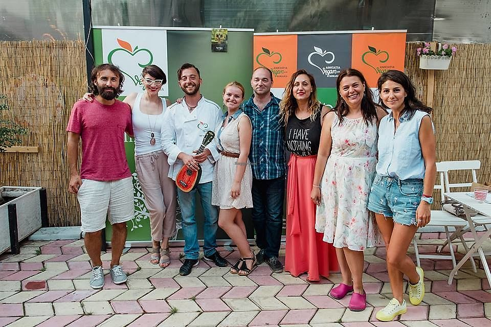 """Photo of Asociatia Veganilor din Romania  by <a href=""""/members/profile/CristinaNitu"""">CristinaNitu</a> <br/>People enjoying a beautiful day out at an event by the Romanian Vegan Association  <br/> April 10, 2018  - <a href='/contact/abuse/image/108234/383446'>Report</a>"""