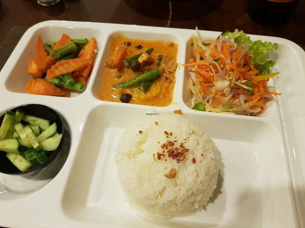 "Photo of Sala Thai  by <a href=""/members/profile/Cathy2001"">Cathy2001</a> <br/>combo menu <br/> March 28, 2018  - <a href='/contact/abuse/image/108254/377349'>Report</a>"