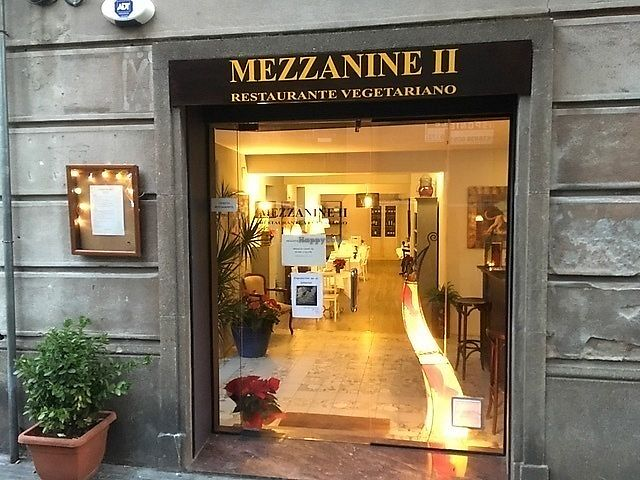 "Photo of Mezzanine II  by <a href=""/members/profile/JorgeTorrasF."">JorgeTorrasF.</a> <br/>THE MAIN DOOR OF THE RESTAURANT MEZZANINE <br/> December 30, 2017  - <a href='/contact/abuse/image/108268/341070'>Report</a>"