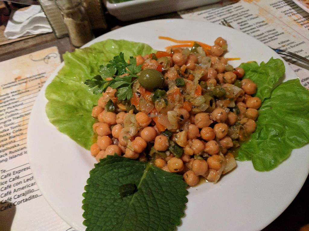 """Photo of Bar Cafe Restaurante Giroud J&J  by <a href=""""/members/profile/zenmaestro"""">zenmaestro</a> <br/>garbanzo beans tapas. vegan. very tasty. recommended. order with extra veggies <br/> January 2, 2018  - <a href='/contact/abuse/image/108284/342288'>Report</a>"""