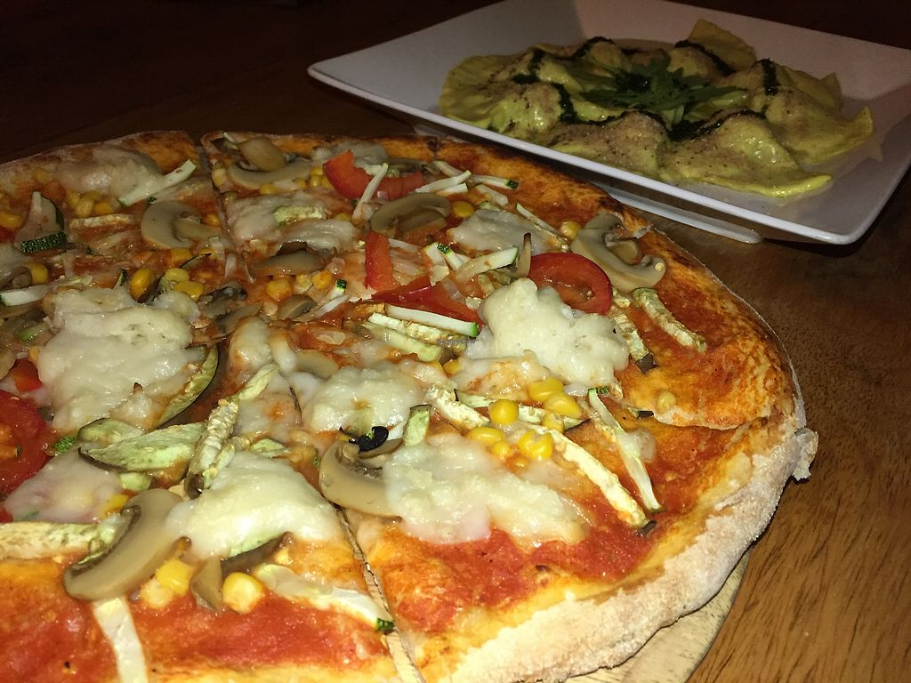 """Photo of Green-Go Garden  by <a href=""""/members/profile/VeganFoodQuest"""">VeganFoodQuest</a> <br/>So much vegan mozzarella on our pizza mmm <br/> May 21, 2018  - <a href='/contact/abuse/image/108307/402940'>Report</a>"""
