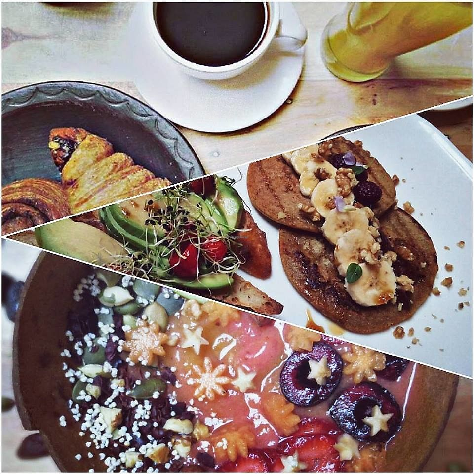 "Photo of Cafe Libre  by <a href=""/members/profile/Bloed"">Bloed</a> <br/>Les presentamos nuestros deliciosísimos y saludables desayunos  <br/> December 31, 2017  - <a href='/contact/abuse/image/108319/341395'>Report</a>"