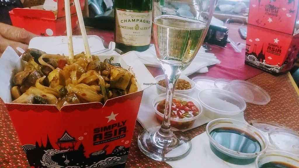 """Photo of Simply Asia - Boskruin  by <a href=""""/members/profile/%C5%A0%C3%A1rkaHedstr%C3%B6m"""">ŠárkaHedström</a> <br/>Restaurant sit down and take away vegan options, if you like it spicy and hot, this is the place to treat yourself.   Our favourite vegan dish currently is their 319 or  514 - roasted chilli paste and cashew nut, we usually have that with rice noodles and all the extras.   <br/> January 7, 2018  - <a href='/contact/abuse/image/108357/343866'>Report</a>"""