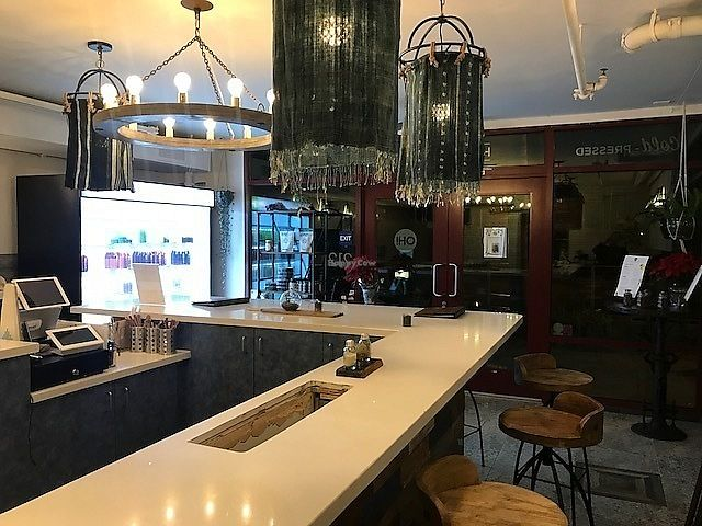 """Photo of OH Juice  by <a href=""""/members/profile/MikeMendoza"""">MikeMendoza</a> <br/>Best cafe location and atmosphere I've been in yet <br/> January 2, 2018  - <a href='/contact/abuse/image/108500/342310'>Report</a>"""