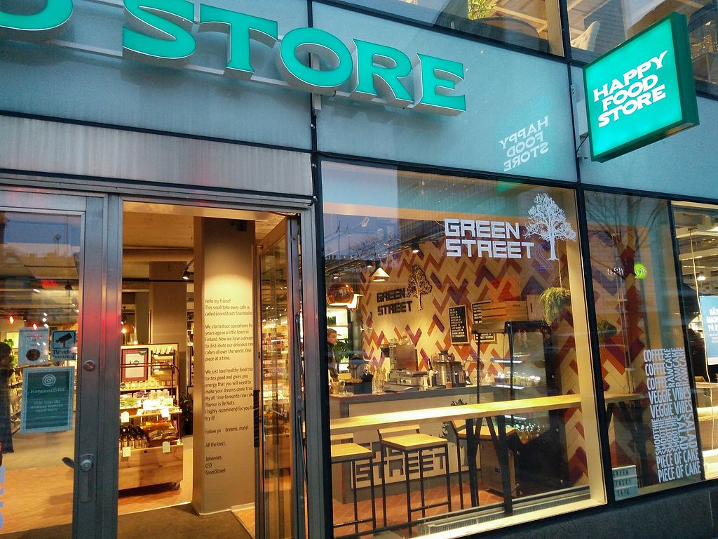"""Photo of GreenStreet  by <a href=""""/members/profile/martinicontomate"""">martinicontomate</a> <br/>located inside a health food store <br/> March 19, 2018  - <a href='/contact/abuse/image/108564/372994'>Report</a>"""