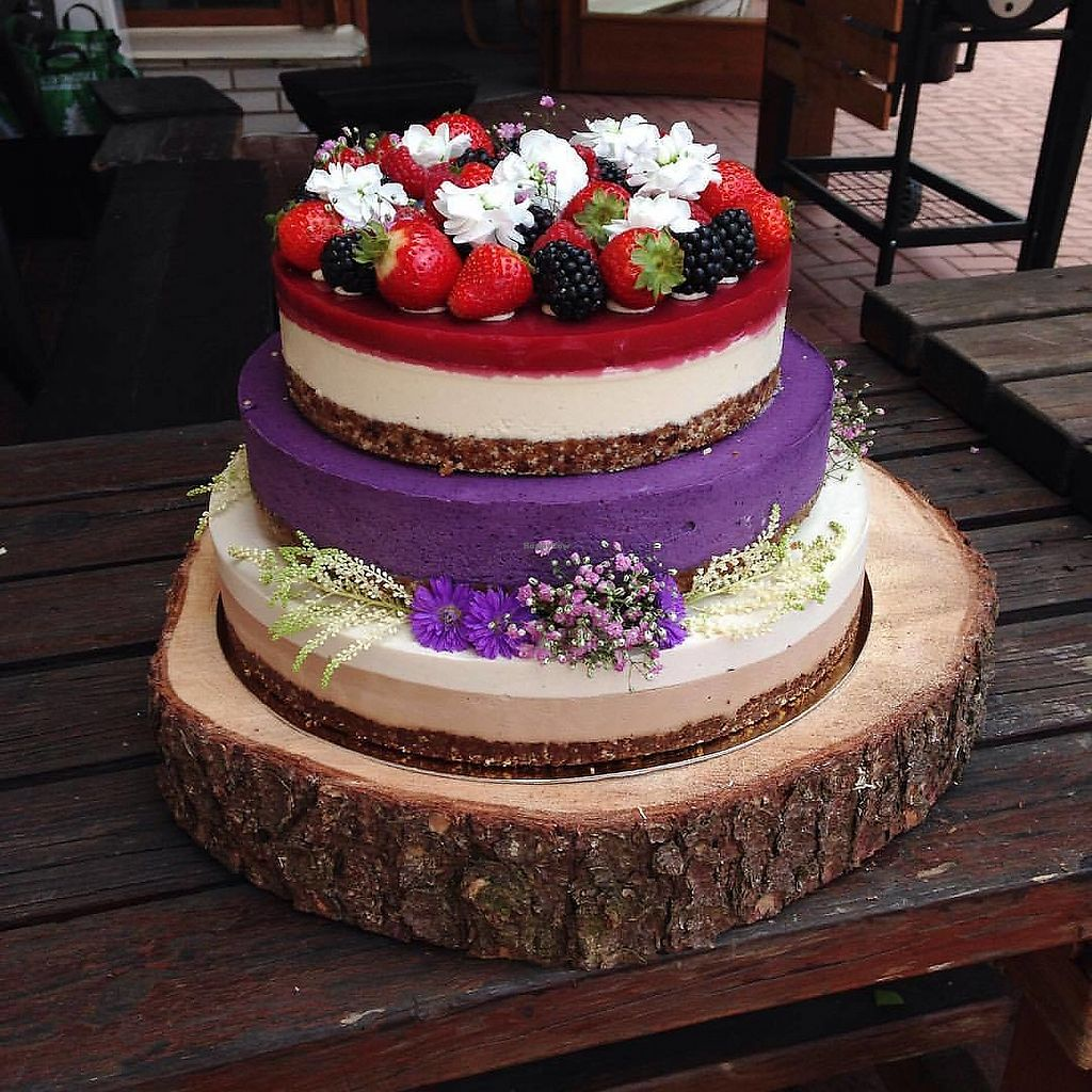 """Photo of Anniny Dorty  by <a href=""""/members/profile/lili.anna"""">lili.anna</a> <br/>raw, vegan, glutenfree wedding cake <br/> January 7, 2018  - <a href='/contact/abuse/image/108567/344037'>Report</a>"""