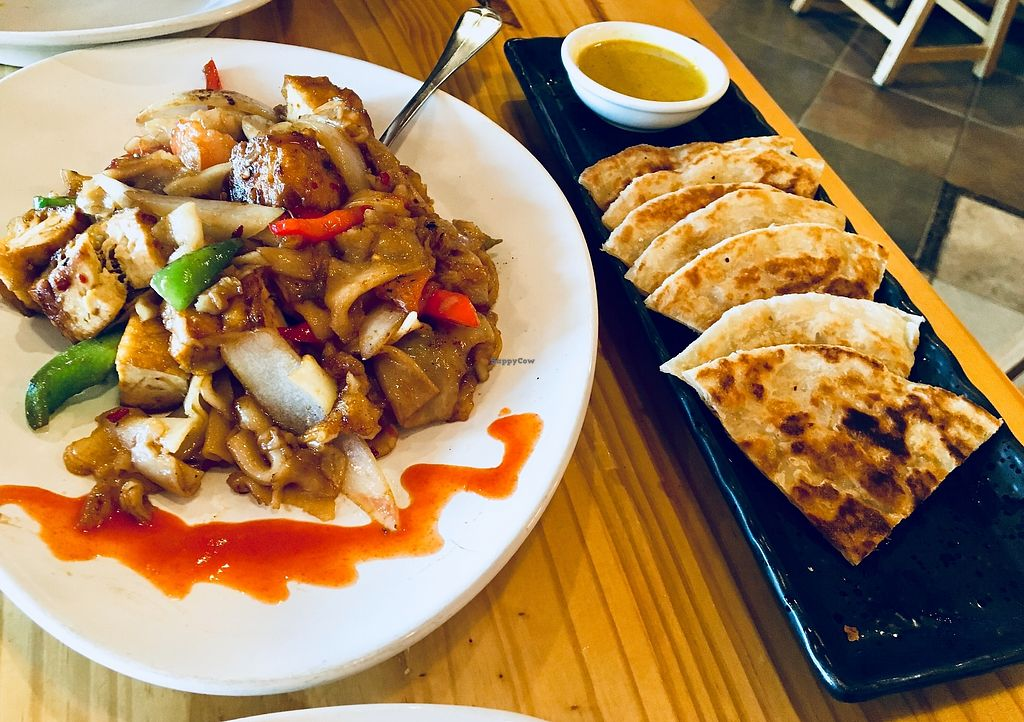 """Photo of Line Thai  by <a href=""""/members/profile/Clean%26Green"""">Clean&Green</a> <br/>Pad kee mao & roti, so yum! <br/> January 4, 2018  - <a href='/contact/abuse/image/108573/343005'>Report</a>"""