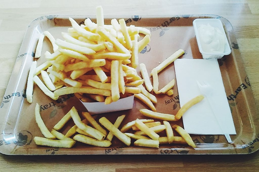 """Photo of De Frietketel  by <a href=""""/members/profile/unmond"""">unmond</a> <br/>Fries (big) with Veganaise <br/> July 25, 2017  - <a href='/contact/abuse/image/10878/284533'>Report</a>"""