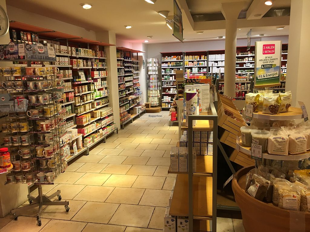 """Photo of Holland & Barrett - Kinkerstraat  by <a href=""""/members/profile/hack_man"""">hack_man</a> <br/>Interior  <br/> January 5, 2018  - <a href='/contact/abuse/image/108797/343349'>Report</a>"""