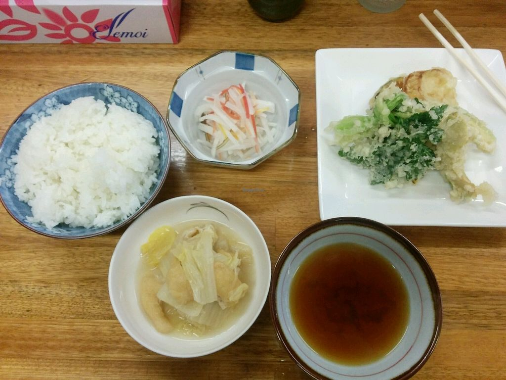 """Photo of Tsujigahana  by <a href=""""/members/profile/Shoohei"""">Shoohei</a> <br/>Divers delicious vegetables and rice <br/> January 24, 2018  - <a href='/contact/abuse/image/108821/350437'>Report</a>"""