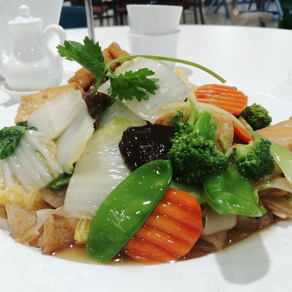 """Photo of Hoa Nghiem Vegie Hut  by <a href=""""/members/profile/karlaess"""">karlaess</a> <br/>Stir fried vegetables and flat noodles <br/> February 14, 2018  - <a href='/contact/abuse/image/108975/359170'>Report</a>"""
