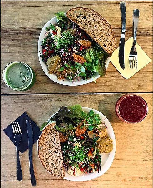 """Photo of L'Arbre Bleu  by <a href=""""/members/profile/LARBREBLEU"""">LARBREBLEU</a> <br/>Salade proposé par L'Arbre bleu : salade à feuille rouge, poivron, courgette, chou rouge, olivade verte, terrine végétale, houmous de pois chiches germés, pousses de radis, falafels crus et une sauce à base de tahin <br/> January 11, 2018  - <a href='/contact/abuse/image/109001/345556'>Report</a>"""