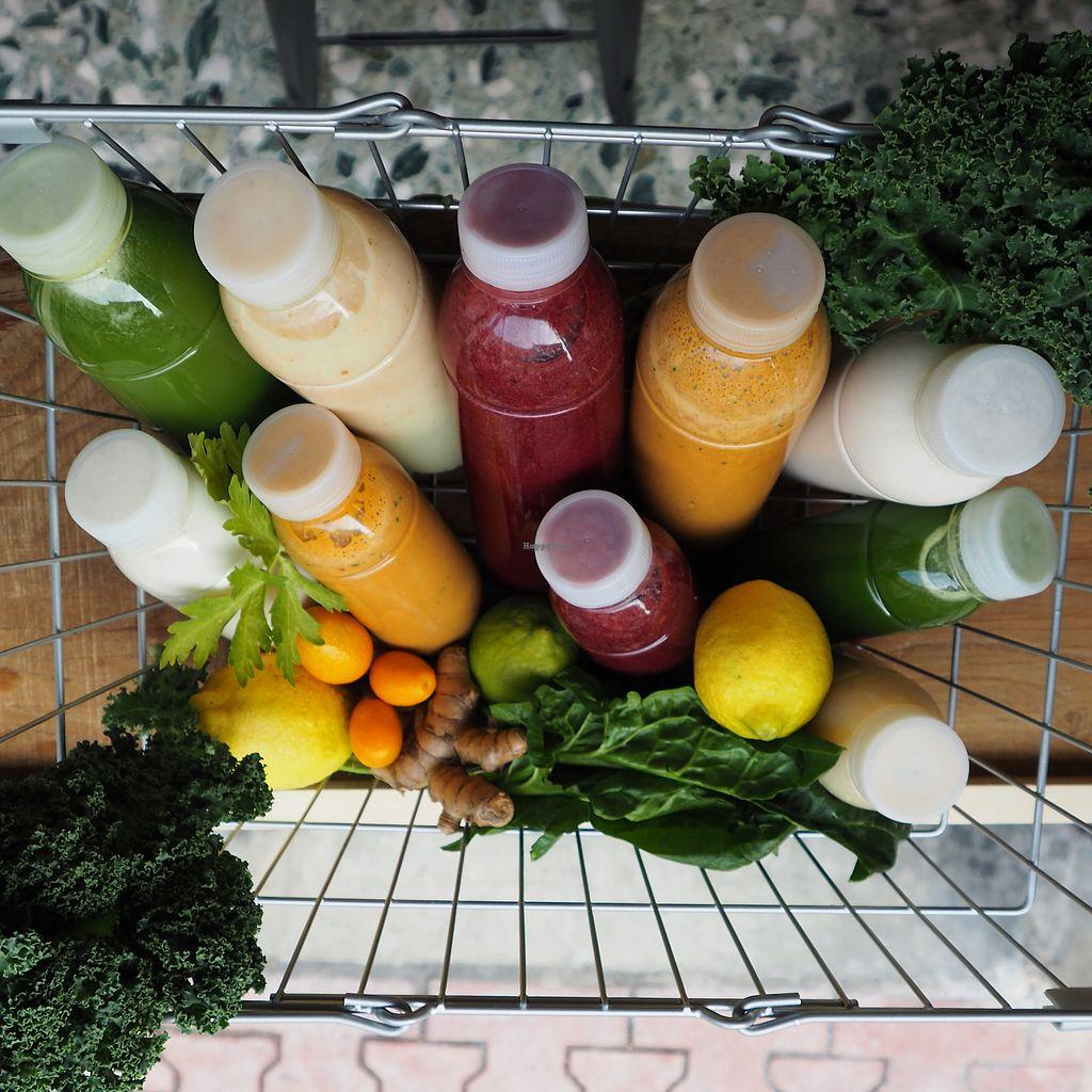"""Photo of L'Arbre Bleu  by <a href=""""/members/profile/LARBREBLEU"""">LARBREBLEU</a> <br/>Green Juice, électrolyte limonade, smoothie, soupe cru, lait végétale <br/> January 11, 2018  - <a href='/contact/abuse/image/109001/345558'>Report</a>"""