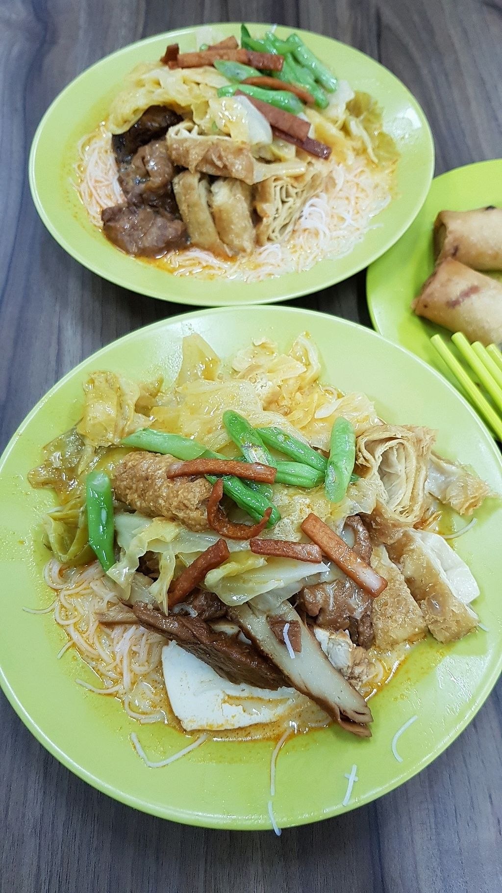 """Photo of Vegetarian Stall  by <a href=""""/members/profile/JensonGoh"""">JensonGoh</a> <br/>white bee hoon with curry vege <br/> March 17, 2018  - <a href='/contact/abuse/image/109084/372161'>Report</a>"""