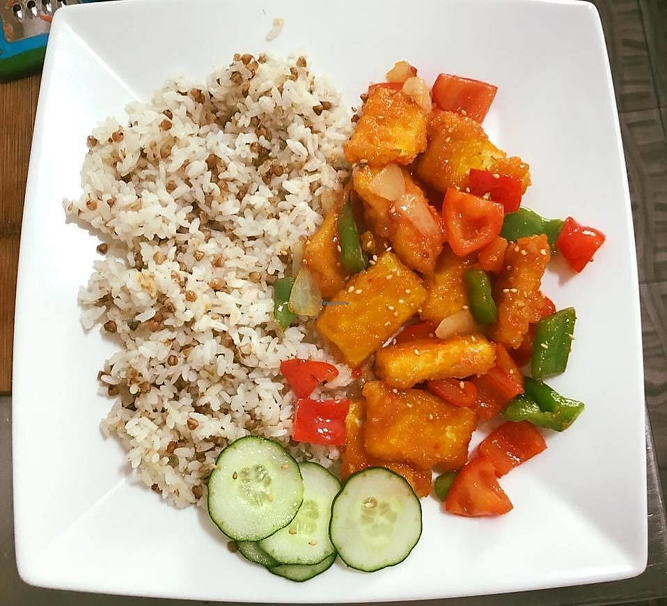 """Photo of Okay Vegan Cafe  by <a href=""""/members/profile/BlankaC"""">BlankaC</a> <br/>Tofu stir fry with rice <br/> January 10, 2018  - <a href='/contact/abuse/image/109124/344900'>Report</a>"""