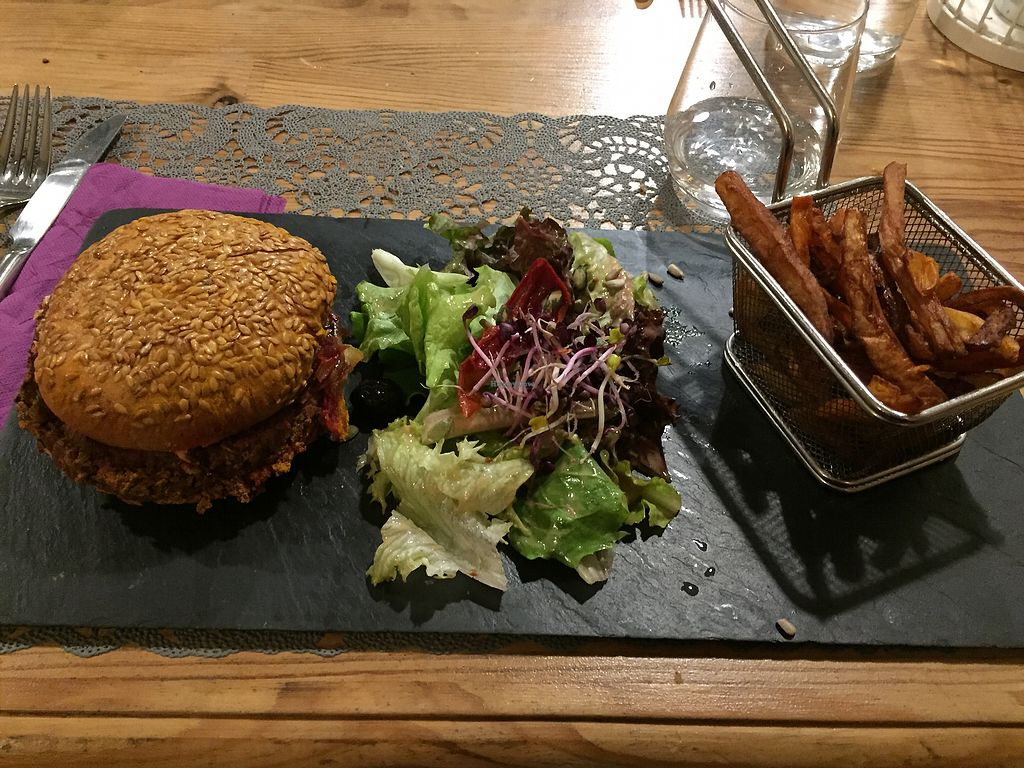 "Photo of Treize Lucioles  by <a href=""/members/profile/mamm"">mamm</a> <br/>Vegetarian burger  <br/> January 11, 2018  - <a href='/contact/abuse/image/109150/345365'>Report</a>"
