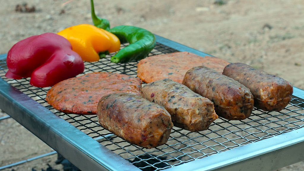 """Photo of Vegan Factory  by <a href=""""/members/profile/VEGANFACTORY"""">VEGANFACTORY</a> <br/>Chorizos y hamburguesas para cocinar a la brasa <br/> January 13, 2018  - <a href='/contact/abuse/image/109262/346136'>Report</a>"""