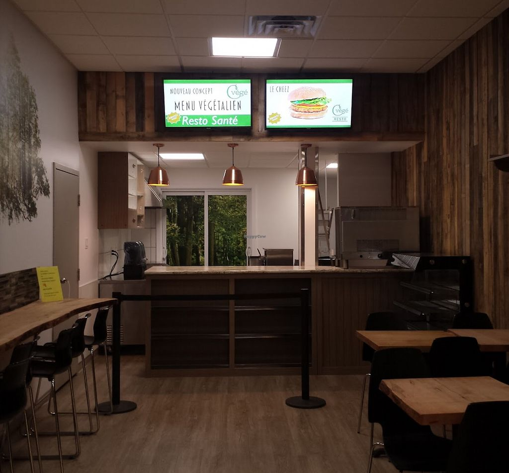 """Photo of Cvege Resto  by <a href=""""/members/profile/eugenierobitaille"""">eugenierobitaille</a> <br/>Cvégé Resto <br/> January 16, 2018  - <a href='/contact/abuse/image/109647/347312'>Report</a>"""