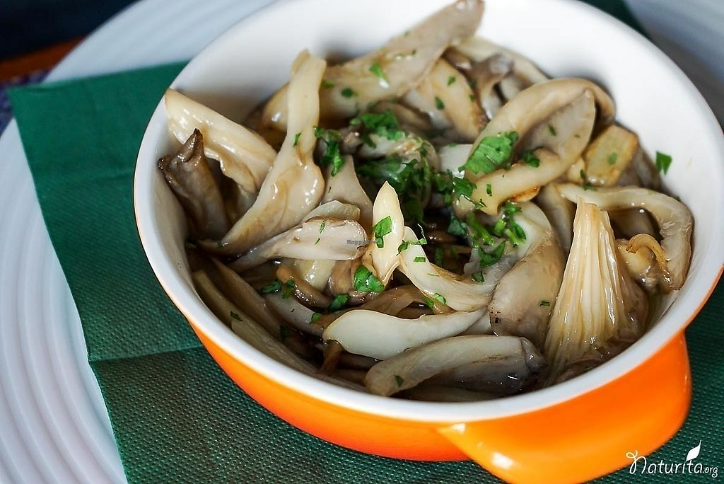 """Photo of Enriclai  by <a href=""""/members/profile/Naturita"""">Naturita</a> <br/>Sauteed mushrooms <br/> January 17, 2018  - <a href='/contact/abuse/image/109674/347786'>Report</a>"""