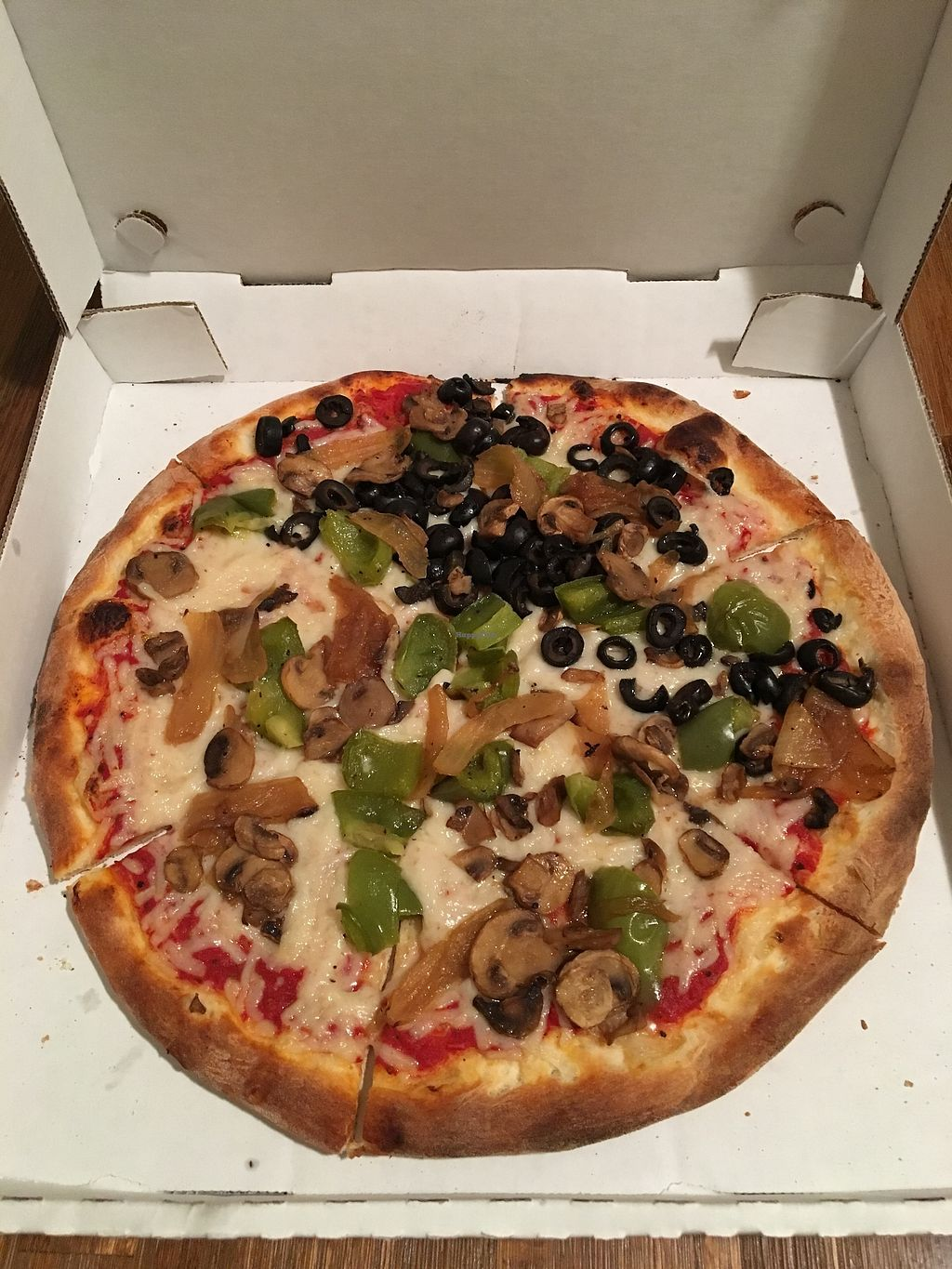 "Photo of Amici's East Coast Pizzeria  by <a href=""/members/profile/Clean%26Green"">Clean&Green</a> <br/>Veggie pizza, daiya cheese <br/> January 17, 2018  - <a href='/contact/abuse/image/109695/347462'>Report</a>"