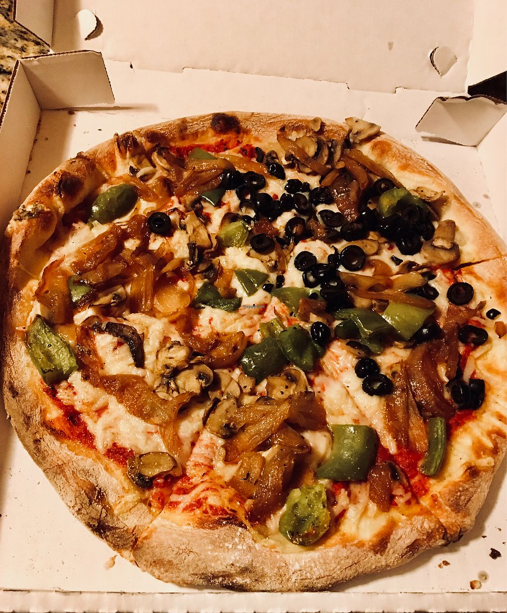 "Photo of Amici's East Coast Pizzeria  by <a href=""/members/profile/Clean%26Green"">Clean&Green</a> <br/>Veggie pizza vegan cheese  <br/> January 22, 2018  - <a href='/contact/abuse/image/109695/349843'>Report</a>"