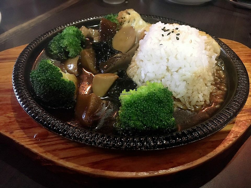 "Photo of Dessert Library  by <a href=""/members/profile/CherylQuincy"">CherylQuincy</a> <br/>Sizzling stew abalone mushroom with rice <br/> January 31, 2018  - <a href='/contact/abuse/image/109698/353216'>Report</a>"