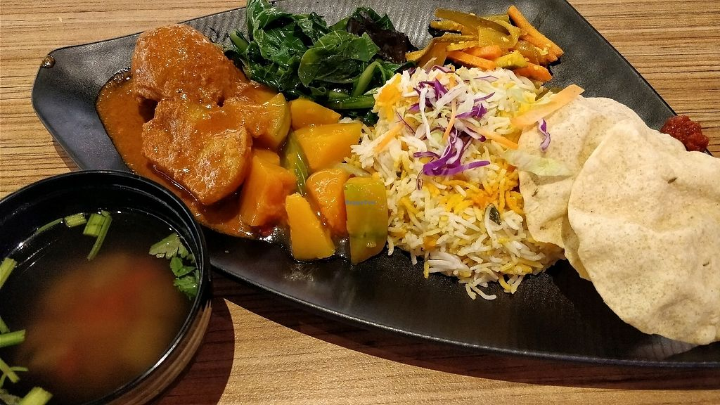 """Photo of AMK Hub - Vegetarian Stall  by <a href=""""/members/profile/JimmySeah"""">JimmySeah</a> <br/>Dhum Briyani with curry potatoes, pumpkin, green vegetables. a free bowl of soup <br/> January 24, 2018  - <a href='/contact/abuse/image/109727/350520'>Report</a>"""