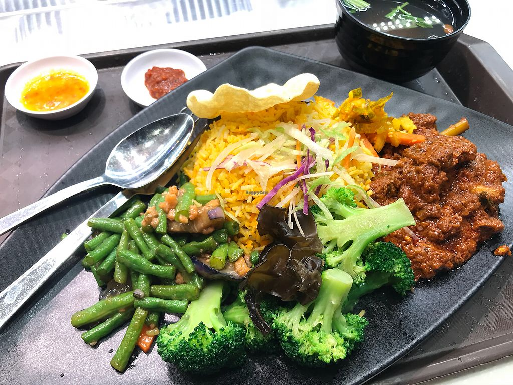 """Photo of AMK Hub - Vegetarian Stall  by <a href=""""/members/profile/VeggieTemptation"""">VeggieTemptation</a> <br/>☆ More vegan recipes and eateries at www.veggieTemptation.blogspot.sg.  Facebook: veggietemptation  <br/> April 2, 2018  - <a href='/contact/abuse/image/109727/379677'>Report</a>"""